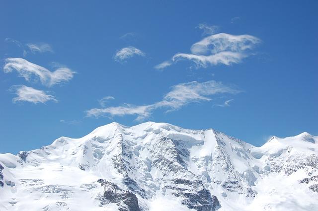 Risque fort d'avalanches dans les Pyrénées, le col d'Aspin fermé