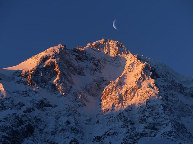 Premières neiges sur les sommets des Pyrénées