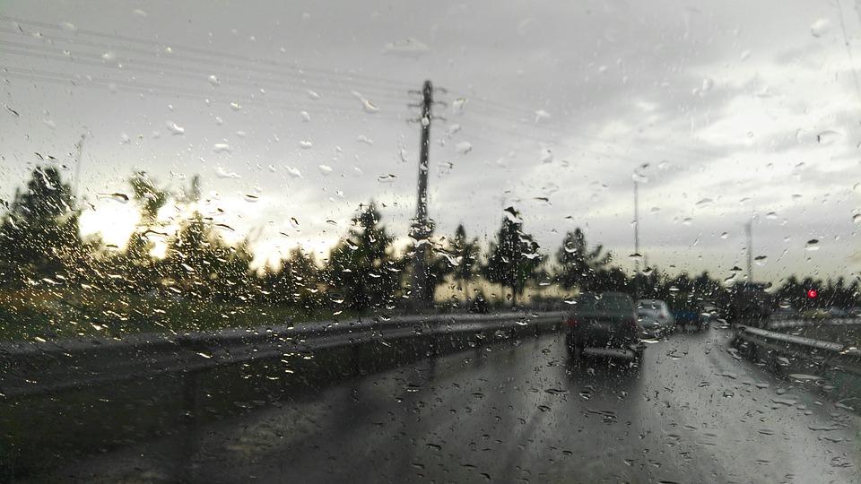 Météo Tarbes. pluie, apparitions du soleil et 8 degrés mercredi après midi