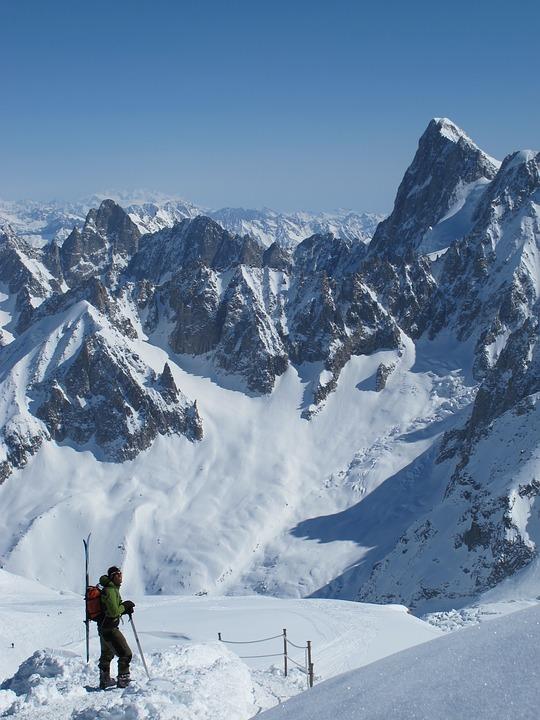 Risque avalanche pour neige pourrie dans les Pyrénées