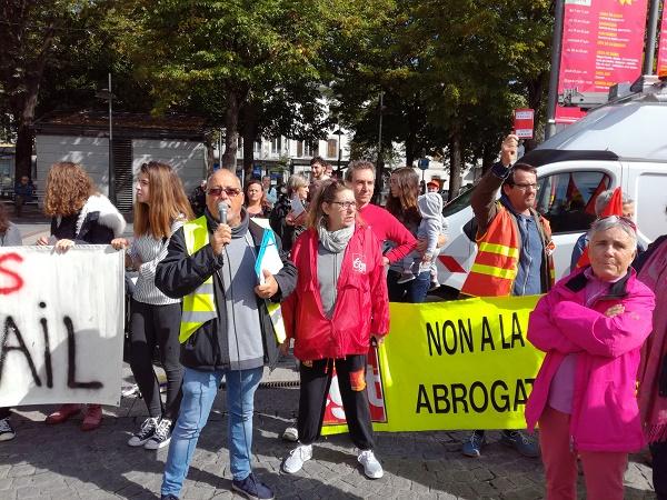 Injustice, casse sociale, emploi aidé, fainéant, les mots de la manif du 12 septembre