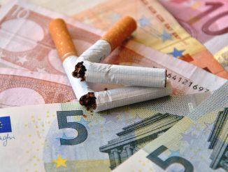 Cigarettes: hausse de 30 centimes d'euros par paquet la semaine prochaine