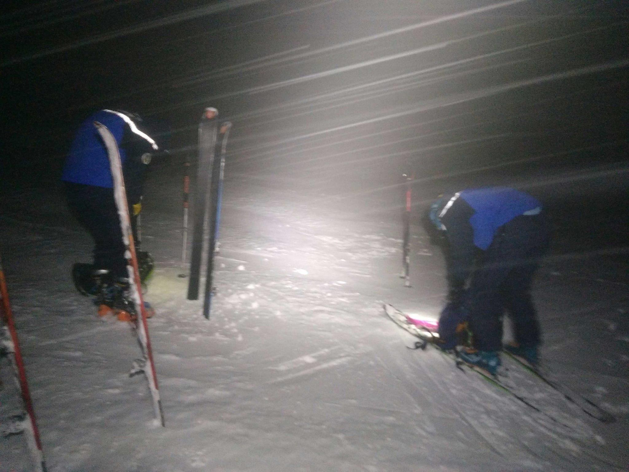 Nuit, brouillard, neige, exploit des secours sur un sauvetage secteur Pic du Midi d'Ossau
