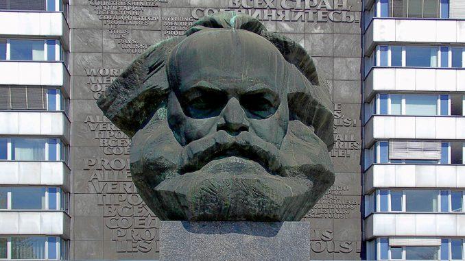 21 février. quand Marx et Engels publiaient le manifeste du Parti communiste