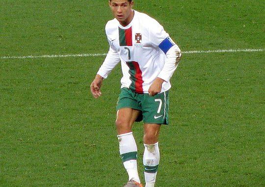 Ronaldo marque 2 buts, le PSG éliminé par le Real Madrid