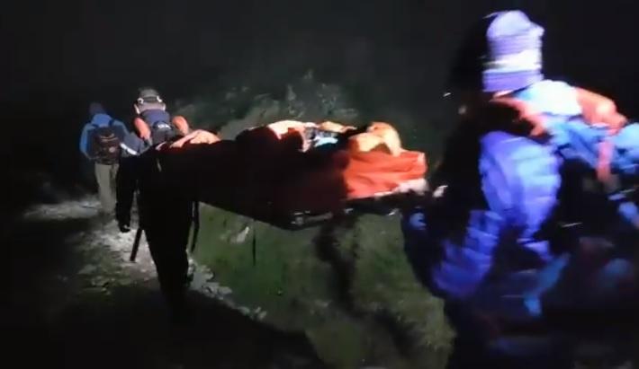 Gavarnie. gardiens de refuges, guide et gendarmes sauvent une femme de 65 ans